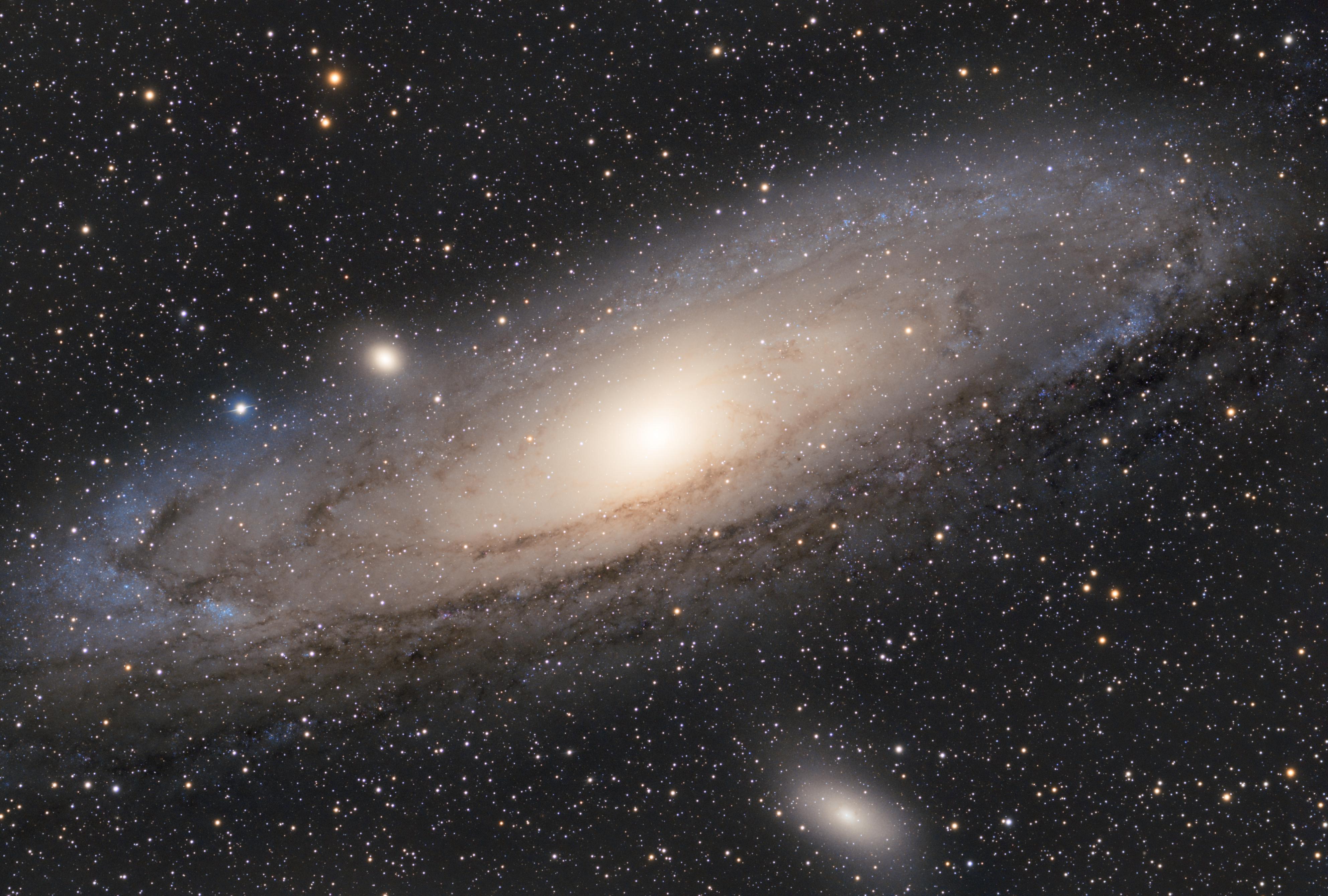 M31 andromeda galaksija